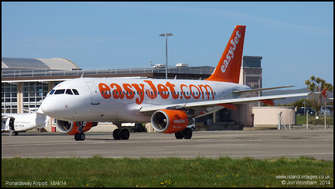 easyjet a319 - photo #39